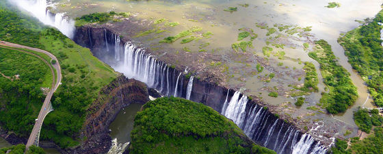 Victoria falls zambezi river zimbabwe geo tourism smoke that thunders world wonder geology 7 thumb